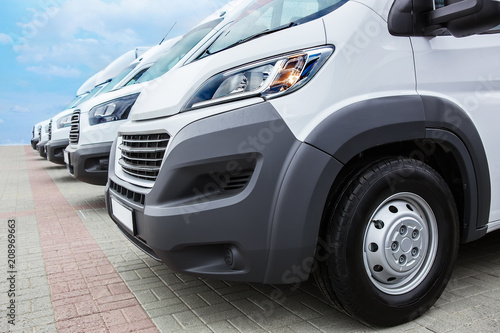 Photo minibuses and vans outside