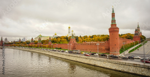 Keuken foto achterwand Moskou Kremlin with Moscow River at rainy day