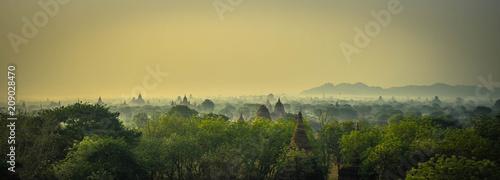 Sonnenaufgang über Bagan (Tempelstadt, Myanmar) Canvas Print