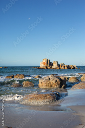 Foto op Plexiglas Kust Rock formations at The Bay of Fires, Tasmanis, Australia