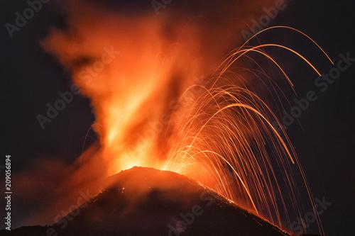 Staande foto Vulkaan El Volcán Pacaya, Guatemala, Mayo 2018