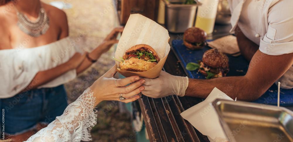 Fototapety, obrazy: Food truck burger
