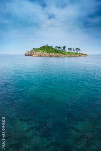 Foto op Plexiglas Eiland San Nikolas island in Lekeitio