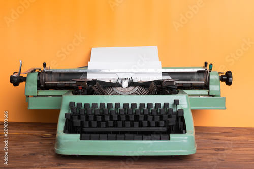 Papiers peints Retro Antique Typewriter. Vintage Typewriter Machine