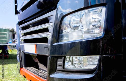 Obraz heavy-duty truck headlight - fototapety do salonu