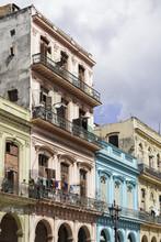 Sightseeing In Cuba