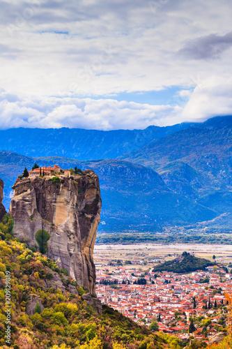 Fotobehang Historisch geb. Monastery of the Holy Trinity i in Meteora, Greece