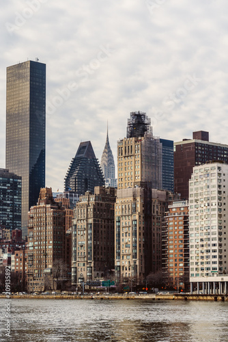 Foto op Aluminium New York Skyline of NYC from the Roosvelt island