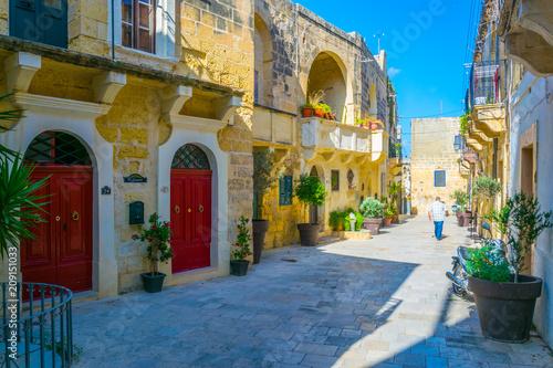 Keuken foto achterwand Smal steegje View of a narrow street in Victoria (Rabat), Gozo, Malta