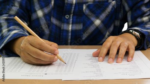 Fotografia  grammar test on table
