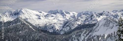 Photo Snowy Cascade Mountain Range Breathtaking Panorama