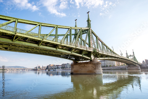 Fotobehang Centraal Europa View on the famous Liberty bridge on Danube river during the morning light in Budapest, Hungary