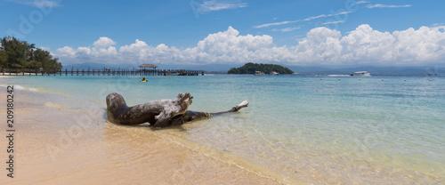 Photo Beach on the Manukan Island, Sabah, Malaysia.