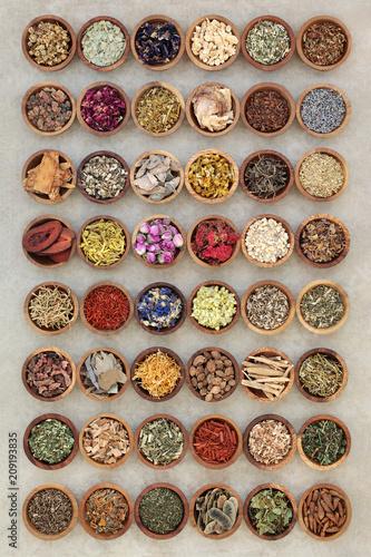 duza-kolekcja-ziololecznictwa-suszonych-ziol