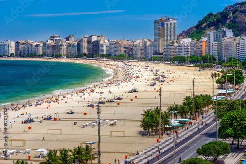 Fotobehang Amerikaanse Plekken Copacabana beach and Avenida Atlantica in Rio de Janeiro, Brazil