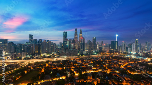 In de dag Stad gebouw Kuala lumpur cityscape. Panoramic view of Kuala Lumpur city skyline during sunrise viewing skyscrapers building and in Malaysia.