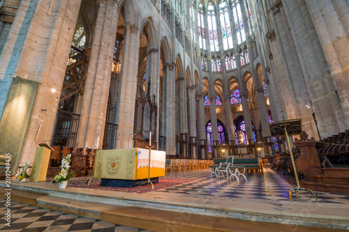 Foto op Aluminium Zalm interiors and architectural details of Saint Etienne cathedral