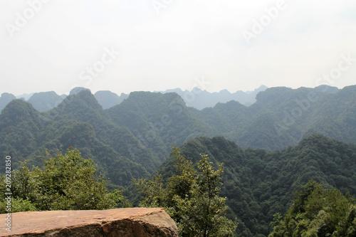 Fotobehang Wit Mountain scenery in hunan, China