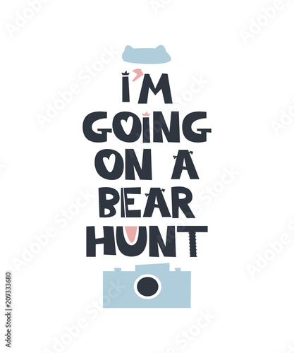 i-am-going-on-a-bear-hunt-czarny-napis-na-jasnym-tle-i-blekitna-ikona-z-aparatem