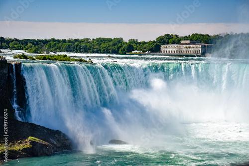 Fototapeten Wasserfalle Gorgeous Niagara Falls