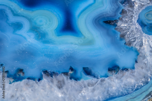 Tuinposter Kristallen Beautiful Agate Crystal Close Up