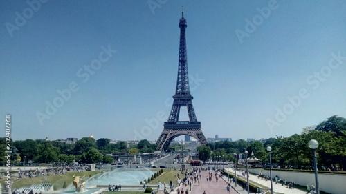 Obraz na płótnie Widok z wieży Eiffla z Jardins du Trocadero w Paryżu, Francja.