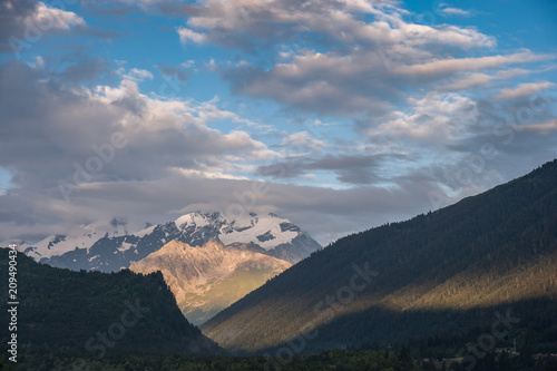 Tuinposter Blauwe jeans Landscape with majestic mountains
