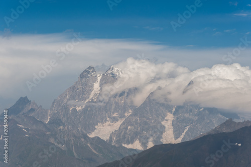 Foto op Aluminium Donkergrijs Landscape with majestic mountains