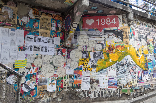 Poster Graffiti Post alley