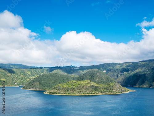 Keuken foto achterwand Zuid-Amerika land Laguna Cuicocha (Cotacachi) in Ecuador, South America