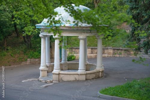 Fotobehang Grijs Rotunda in the park of Pyatigorsk, Russia