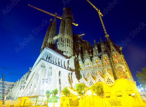 Foto op Plexiglas Europa Basilica and Expiatory Church of the Holy Family