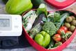canvas print picture - frisches Gemüse und Salat als blutdrucksenkende Lebensmittel