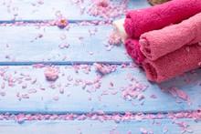 Set Of Pink  Bath Towels On  B...