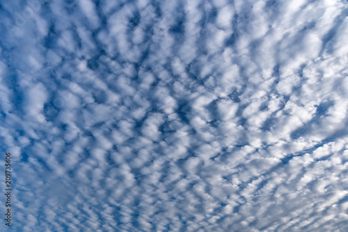 Photo Cirrocumulus Cloud in blue sky on sunny peaceful day,Cloud Type Altocumulus, Str