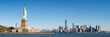 Liberty Island und Manhattan Panorama in New York City, USA