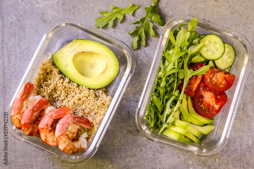 Poster Assortiment Healthy meal prep containers with quinoa and shrimp