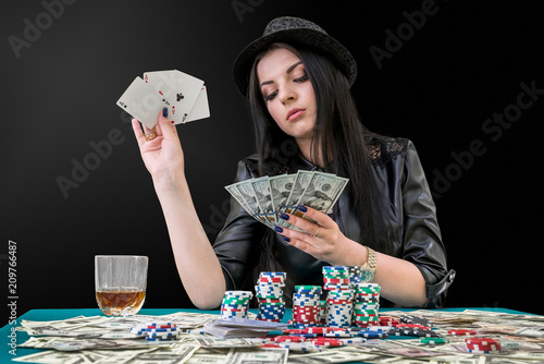 Cuadros en Lienzo Woman with dollars and aces combination in casino