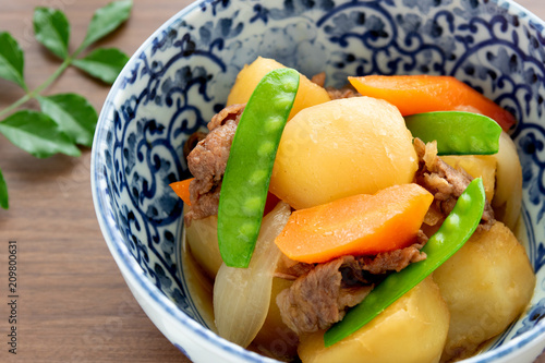 Fototapeta 日本の家庭料理、肉じゃが obraz