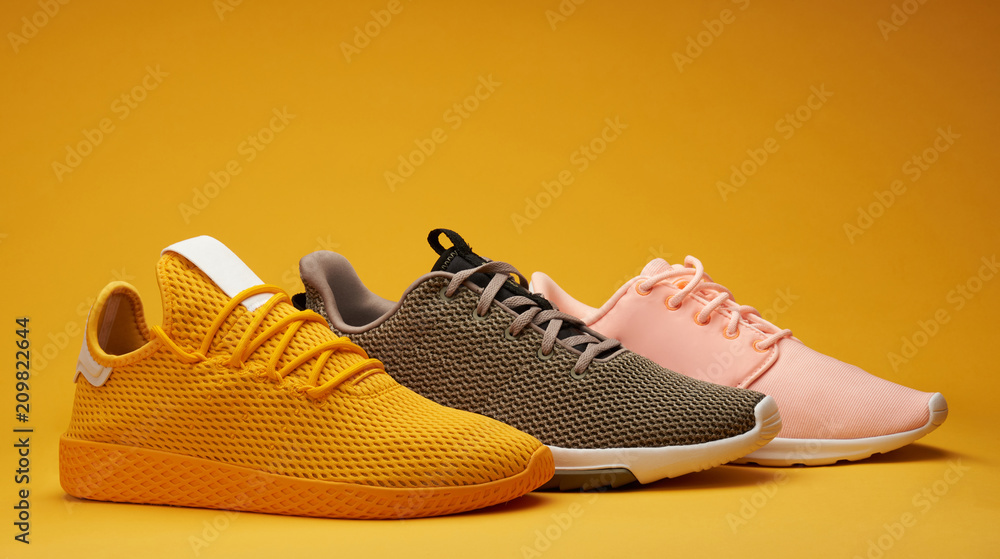 Fototapety, obrazy: Different color running shoes