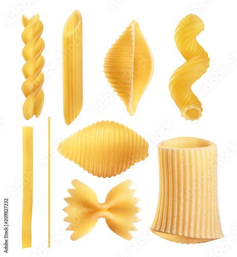 Fotografía Raw Italian pasta fettuccine, amorini, paccheri, farfalle, spaghetti, fusilli, penne, conchiglie isolated on a white background