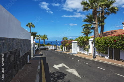 Tuinposter Canarische Eilanden Scenic cityscape with a view of the ocean (Los Canary Islands, Tenerife, Spain)
