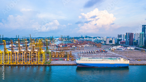 Foto  Aerial view Singapore cargo terminal, Import Export business logistics ports in the world, Singapore