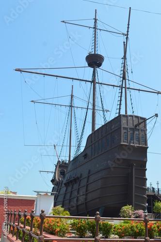 Keuken foto achterwand Schip A replica of a Portuguese Pirate ship