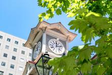 晴れた日の札幌時計台...