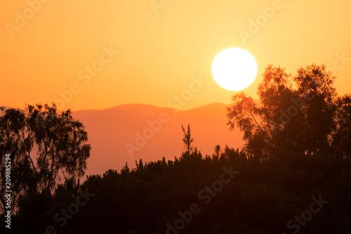 In de dag Ochtendgloren Colorful summer sunrise landscape in the mountains.