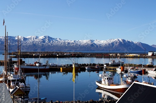 Fotografía  Puerto pesquero en la costa norte de Islandia.