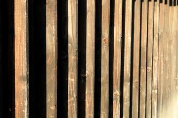 立体的な木の壁