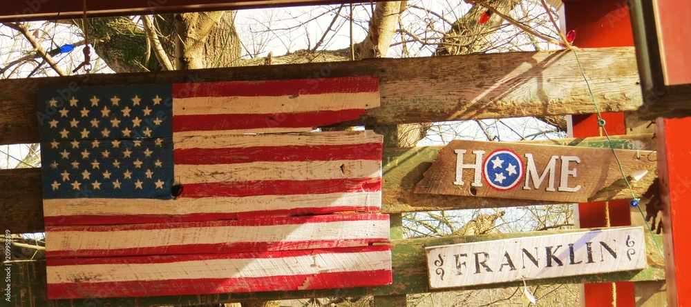 Fototapeta United states flag and Franklin Tennessee sign