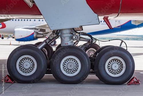 Papel de parede  Chassis of Boeing 777 close